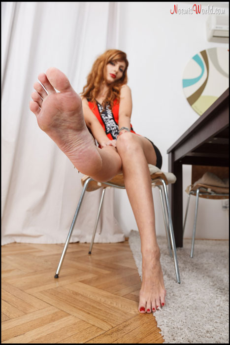 Amalia offers up her soles!
