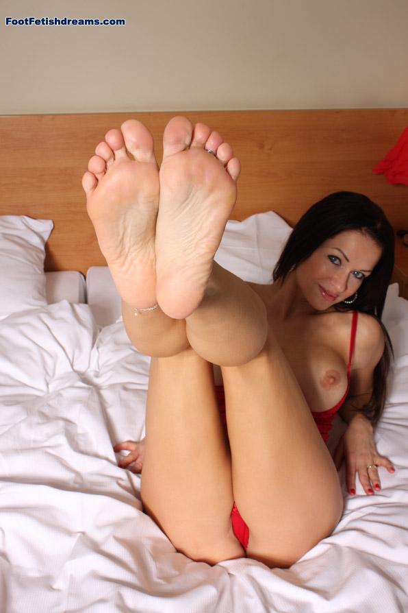 Meet Stacy Silver's feet!