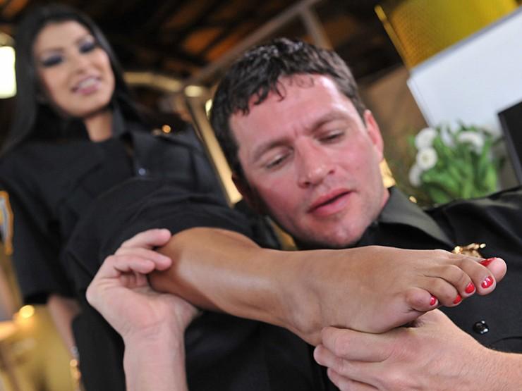 Miya rewards her partner with a footjob!
